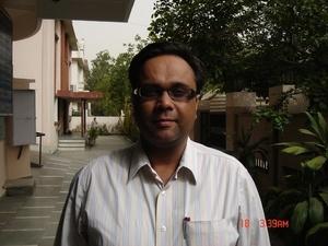 Dr. Shitij Bali